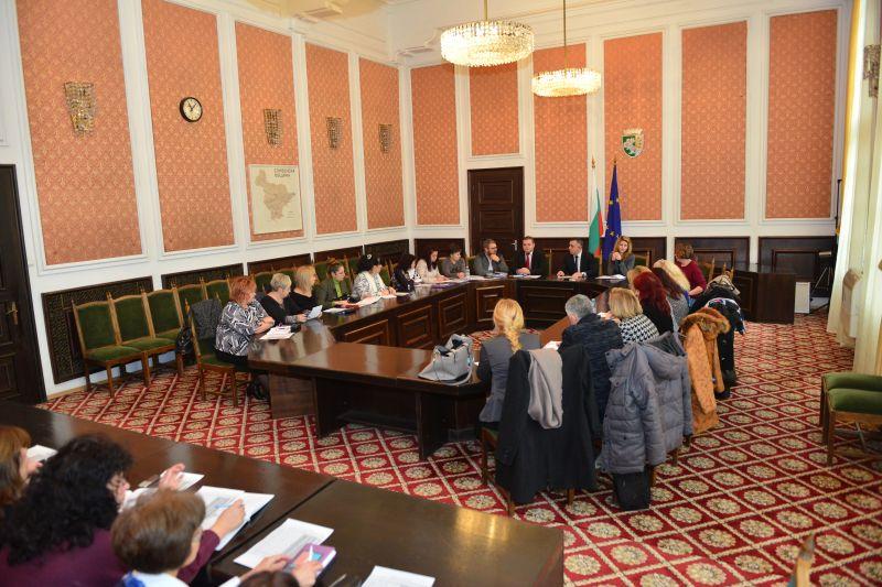 Кметът разговаря с директори на детски градини за делегираните им бюджети от догодина