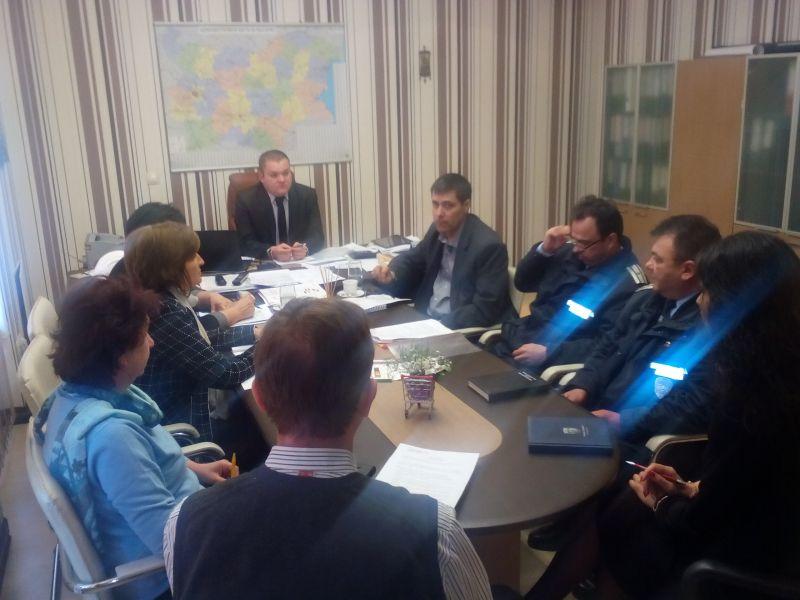 Затягане на пропускателния режим в нощните заведения предложи полицията по време на работна среща в Община Сливен
